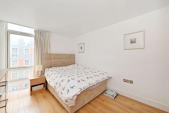 Photo 18 of Moore House, Canary Wharf E14