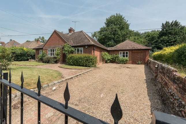 Thumbnail Property to rent in Manorton, Church Road, Little Marlow, Buckinghamshire