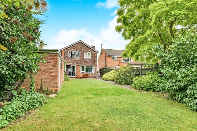 Thumbnail Detached house for sale in Chiltern Avenue, Bedford