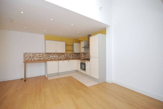 Thumbnail Flat for sale in Moray Mews, Finsbury Park