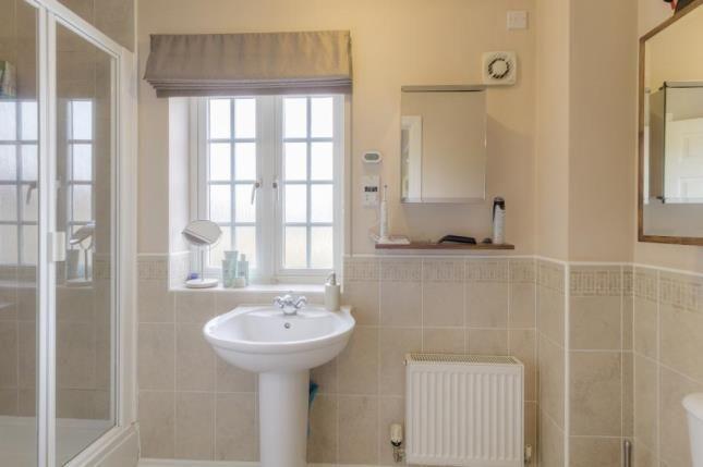 En-Suite of Sheridan Grove, Oxley Park, Milton Keynes MK4