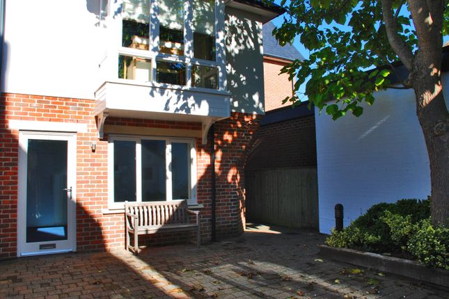 Thumbnail Property to rent in Lymington, Hampshire