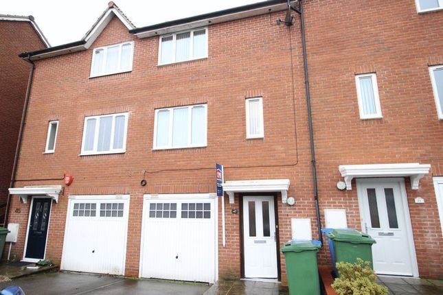 Thumbnail Terraced house to rent in Phoenix Drive, Scarborough