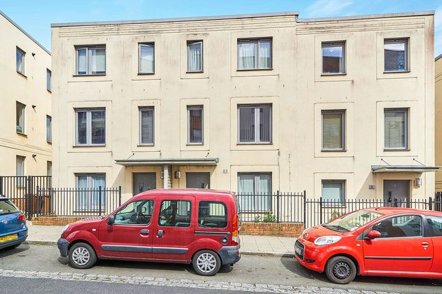 Thumbnail Terraced house to rent in Wall Street, Plymouth