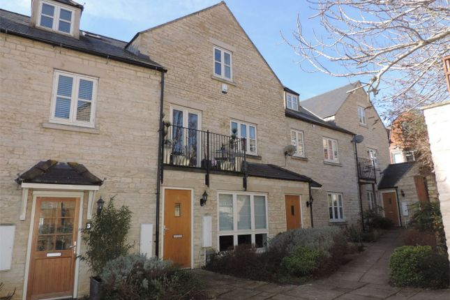 Thumbnail Flat to rent in Pauleys Court, Stamford, Lincolnshire