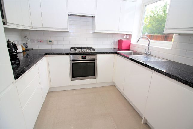 Picture No. 20 of Crombie Road, Sidcup, Kent DA15