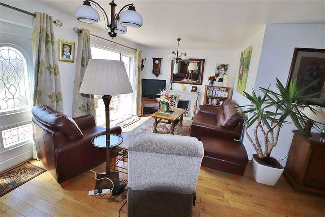 Living Room & Dining (L Shape)