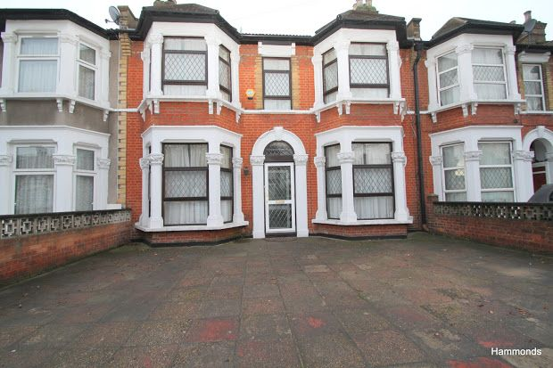 Thumbnail Terraced house to rent in Northbrook Road, Ilford