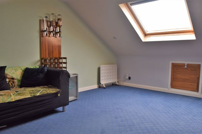 Bedroom of Wyles Road, Chatham ME4