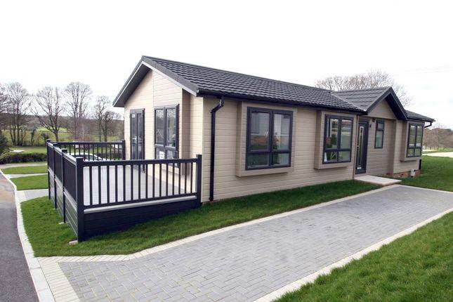 Thumbnail 2 bed mobile/park home for sale in Bebenden Rd, Biddenden