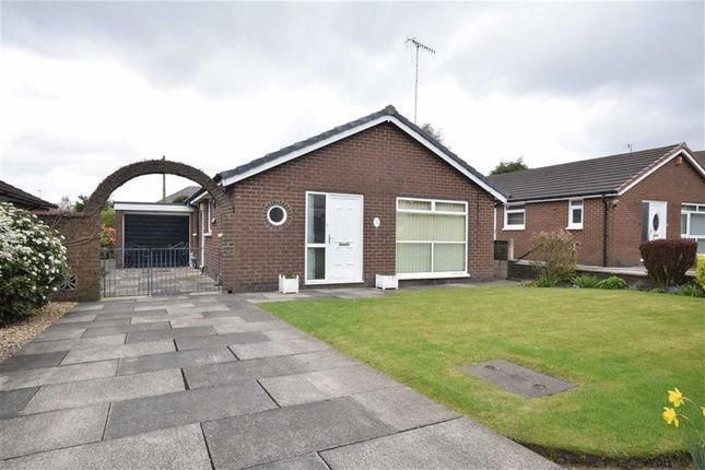 Thumbnail Property for sale in Hampshire Close, Wilpshire, Blackburn