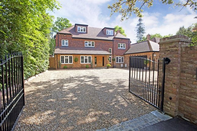 Thumbnail Detached house to rent in Howards Thicket, Gerrards Cross