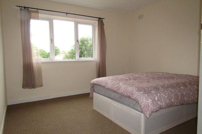 Fox hollies road acocks green birmingham b27 room to for The green room birmingham