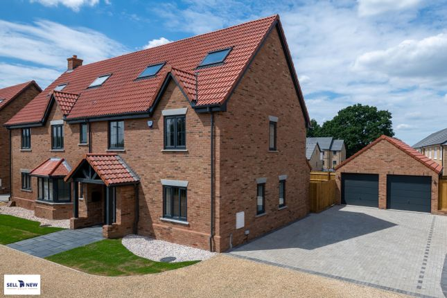 Thumbnail Detached house for sale in Hayfield, Flitton