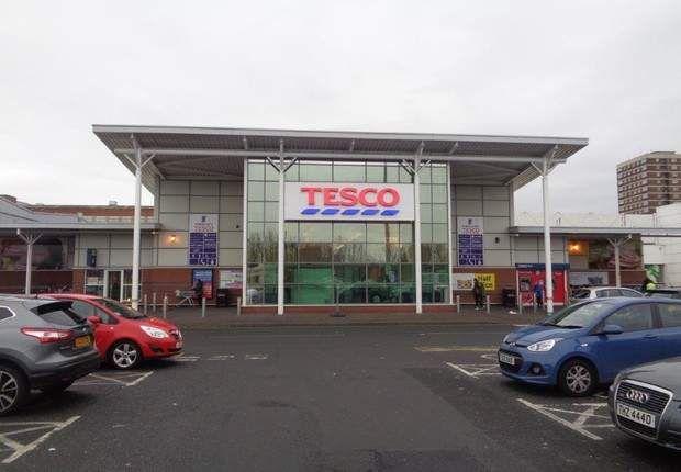 Retail premises to let in York Street, Belfast