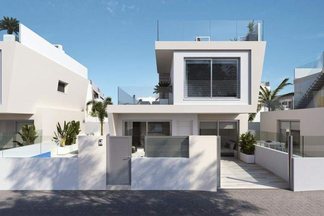 3 bed villa for sale in Mil Palmeras, 03191, Alicante, Spain