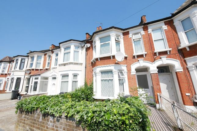 2 bed flat to rent in Kingston Road, Ilford IG1