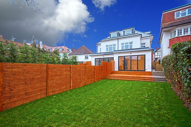 Thumbnail Property for sale in Rundell Crescent, Hendon