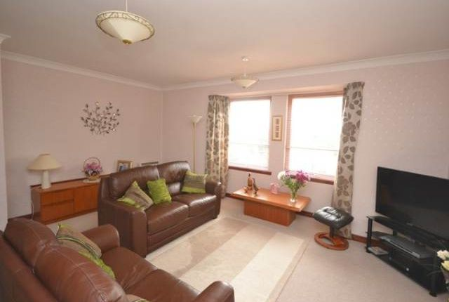 Thumbnail Flat to rent in Cross Street, Broughty Ferry, Dundee