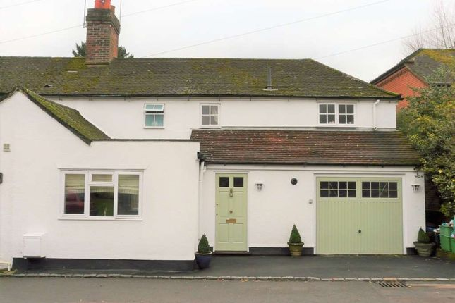 Thumbnail Semi-detached house to rent in Donnington, Newbury