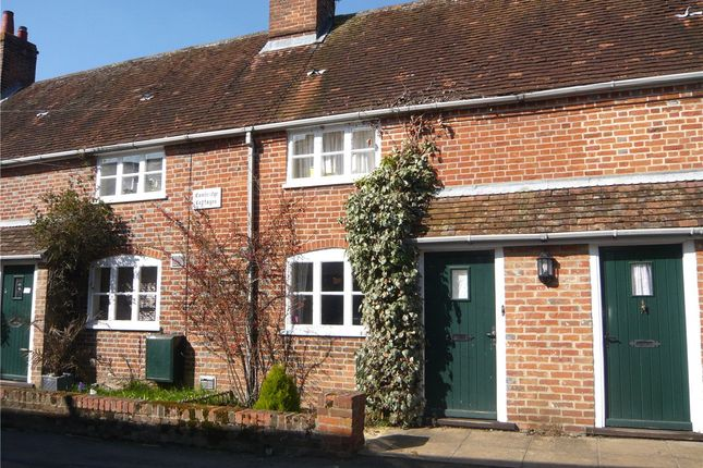 2 bed detached house to rent in Donnington, Newbury, Berkshire RG14