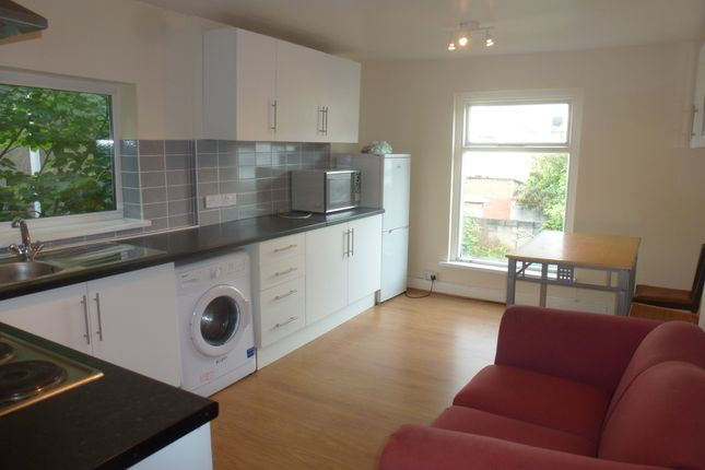 Thumbnail Duplex to rent in Llanbleddian Gardens, Cathays Cardiff