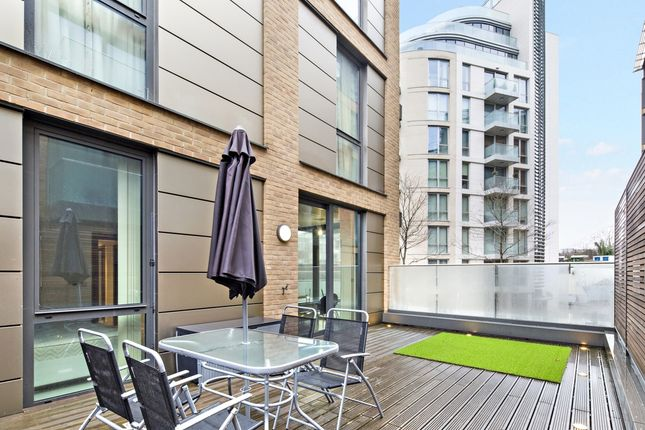 Balcony of Millennium House, Putney Plaza, London SW15