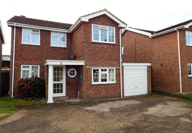 Thumbnail Detached house for sale in Marrowbrook Close, Farnborough, Hampshire