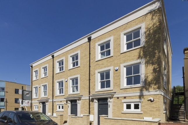 Thumbnail Town house to rent in Hinton Road, Herne Hill