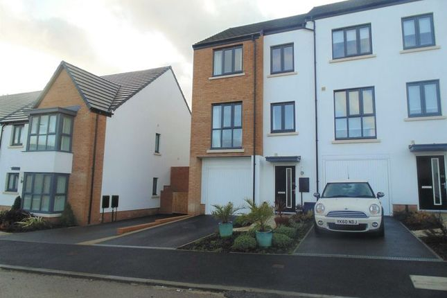 3 bed property for sale in Summering Close, Okehampton