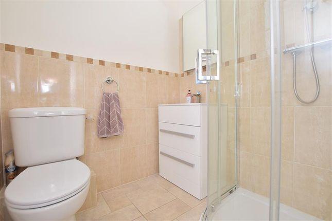 En-Suite of Warminghurst Close, Ashington, West Sussex RH20