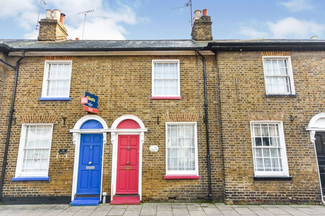 2 bed terraced house for sale in North Street, Rochford SS4
