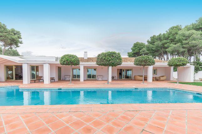 Thumbnail Villa for sale in Benamara, Estepona, Malaga Estepona