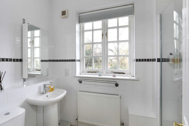 Bathroom of Westbury Road, Bromley BR1