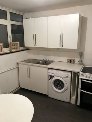 4 bed maisonette to rent in Rowstock Gardens, Camden Town