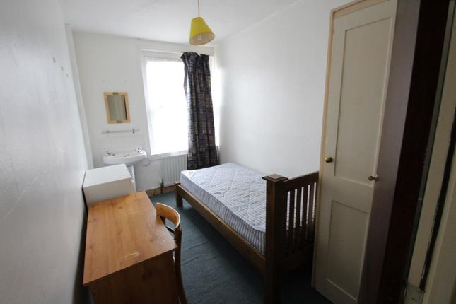 Thumbnail Property to rent in Dover Street, Maidstone, Kent