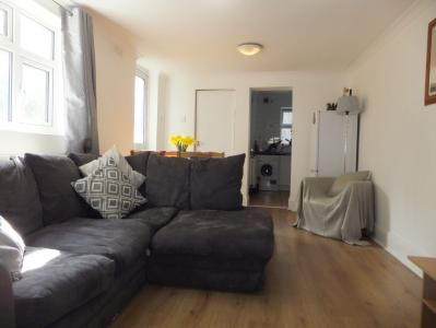 Thumbnail Flat to rent in Plough Road, Clapham Junction