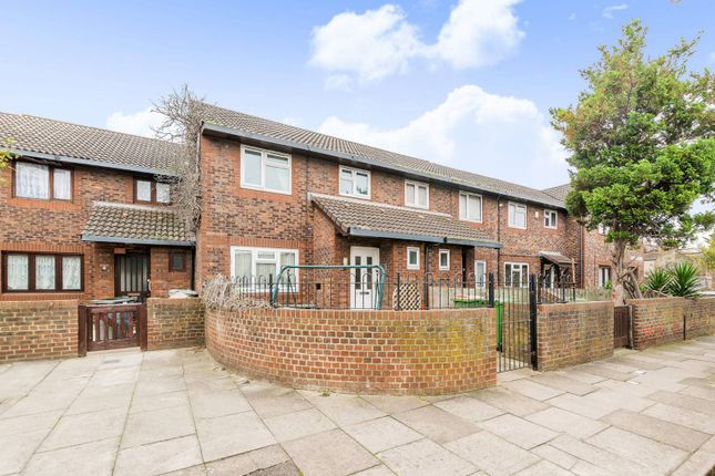 Thumbnail Property to rent in Bronte Close, Forest Gate