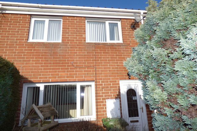 3 bed terraced house to rent in Longbeck Way, Thornaby, Stockton-On-Tees TS17