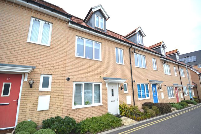 Thumbnail Town house for sale in Thomas Way, Braintree, Essex