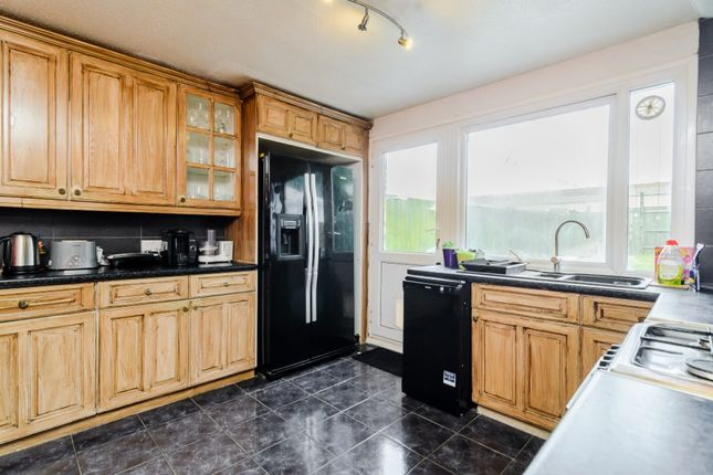 Thumbnail Terraced house for sale in College Close, Portslade, Brighton