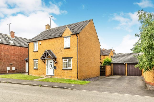 Thumbnail Detached house for sale in Warkworth Close, Banbury