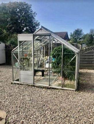 Gardens, Greenhouse, 4A Queich Place, Kinross