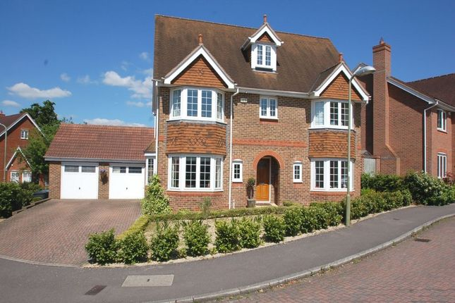 Thumbnail Detached house to rent in Kingsley Square, Elvetham Heath, Fleet