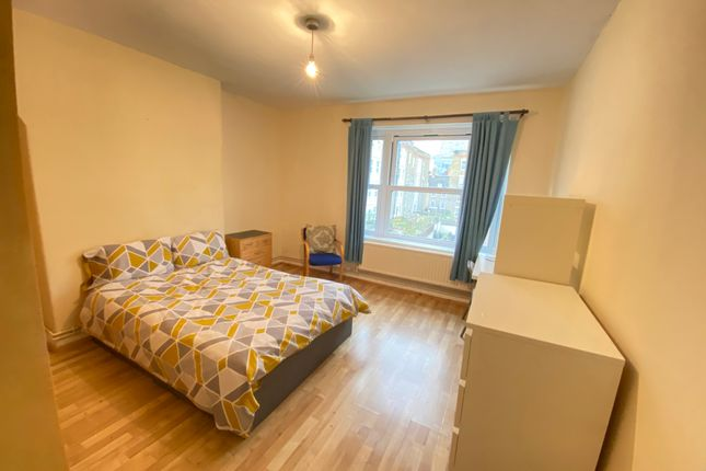 4 bed shared accommodation to rent in Old Castle Street, City E1