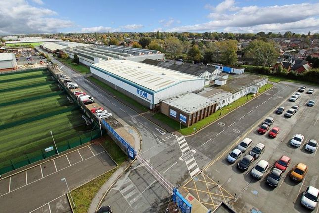 Thumbnail Warehouse to let in Eaton Park, Wheatley Hall Road, Doncaster, South Yorkshire