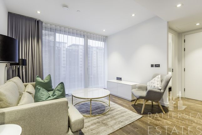 2 bed flat to rent in Circus Road West, Battersea, London
