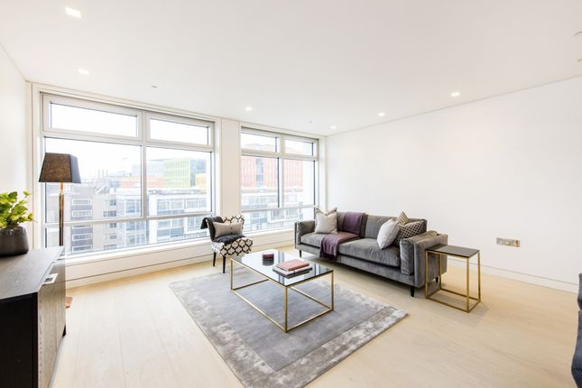 Thumbnail Flat to rent in Centre Point, Fitzrovia, London