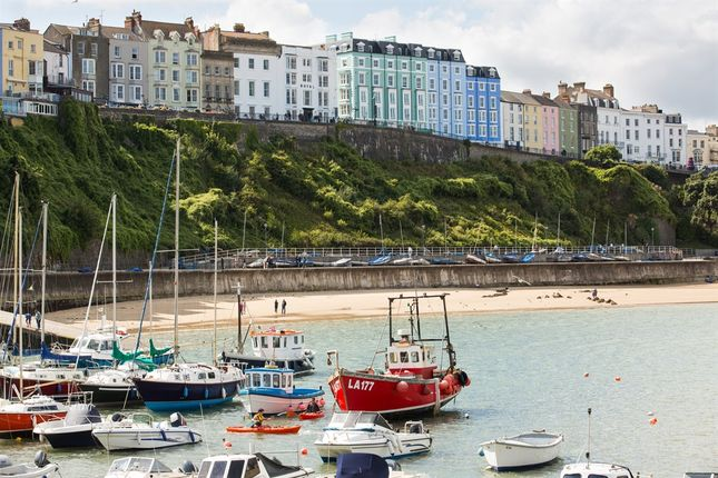 Thumbnail Flat for sale in White Lion Street, Tenby