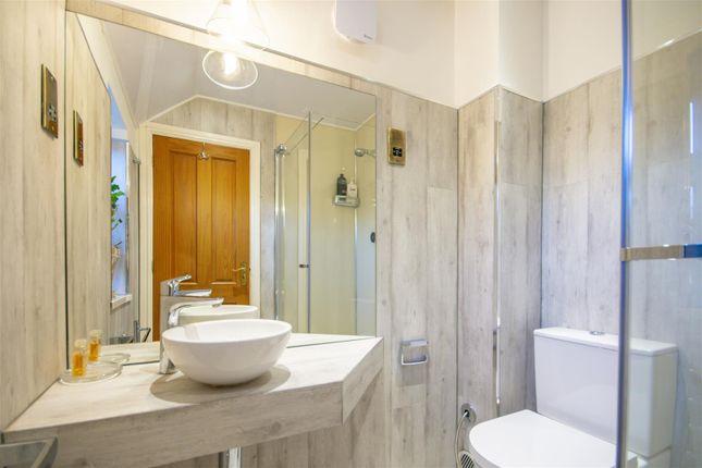 Shower Room of Barrons Court, Elvaston, Thulston DE72